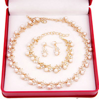 Women's Gold Plated And Pearl Elegant Necklace Set