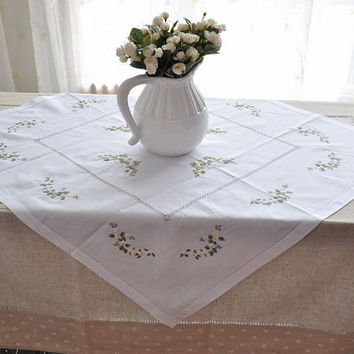 20%OFF,Elizabeth Embroidered  hemstitched  tablecloths/table Topper  34 Inch square
