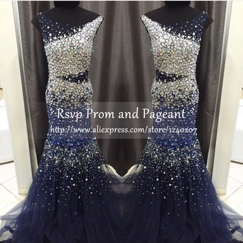Luxury Long Prom Dresses 2017 Scalloped Neckline Sleeveless Beaded Crystals Floor Length Tulle Mermaid Navy Blue Prom Dress