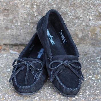 Minnetonka: Kilty Moccasin {Black}