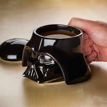 Free Shipping 1Piece Star Wars Darth Vader Helmet Mug 3D Stormtrooper Ceramic Cup with Lid Cool Dark Roast Mug Office Coffee Mug
