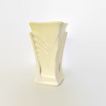 Vintage McCoy Butterfly Vase, Art Deco Butterfly Design, 1940s McCoy Art Deco Butterfly Vase