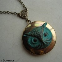 FOREST OWL - Vintage Locket Necklace in antiqued brass with patina owl