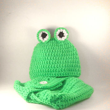 BABY FROG HAT and Diaper Cover Green 3 - 6 Months
