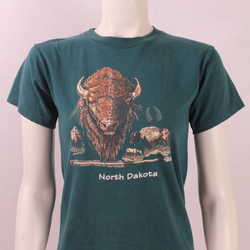 Vintage 80s 90s -  Dark Green North Dakota Buffalo Novelty Souvenir Tee T Shirt - Fitted Small