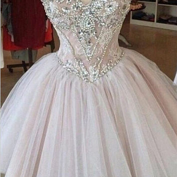 Luxurious A-line Sweetheart Tulle Beaded Homecoming Dress