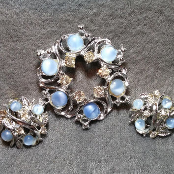 Silvertone Demi, Brooch Pin and Clip Earrings, w/ Blue Catseye Cabochons and Ice Rhinestones! Very Good Vintage Condition.