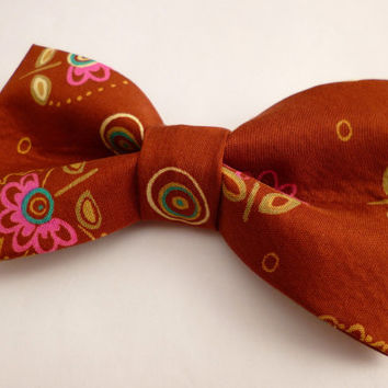Mens floral bow tie, rust bow tie, flower print bow tie vintage fabric