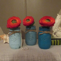Distressed Painted Mason Jars ~ French Romantic Wedding Beach Table Centerpiece ~ Bridal or Baby Shower ~ Vases ~ Bathroom or Bedroom Set