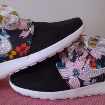 sale !! last nike free roshe run sneakers print flowers black color athletic sport shoes custom with crystal swarovski