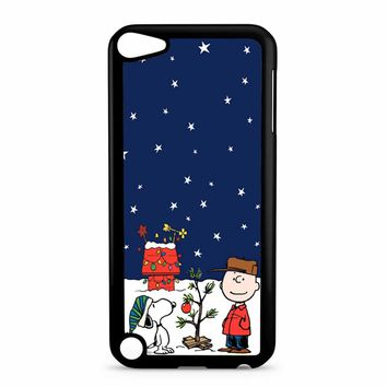 Charlie Brown Peanuts Snoopy iPod Touch 5 Case