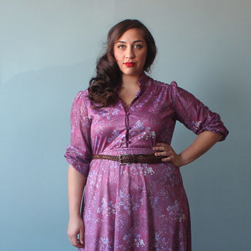 plus size dress / lilac button up floral dress / 1970s / XL -XXL