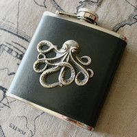 Cthulhu 6 oz Stainless Steel Leather Wrapped Flask, Cthulhu 6 oz Flask, Octopus Flask, Gifts for Gentlemen, Lovecraft 6oz Flask