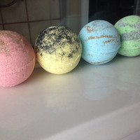 Harry Potter inspired Bath Bomb set/ Gryffindor bath bomb/ Hufflepuff bath bomb/ Ravenclaw bath bomb/ Slytherin bath bomb