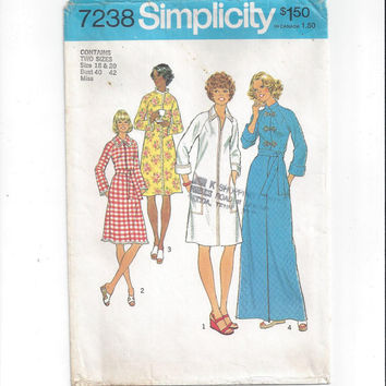 Simplicity 7238 Pattern for Misses' Robe in 2 Lengths, Size 18 & 20, From 1975, Vintage Pattern, Home Sewing Pattern, Front Zip Robe