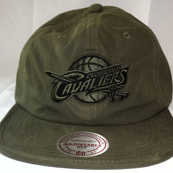 Cleveland Cavaliers Mitchell & Ness Nylon Weave Buckle Back Cap