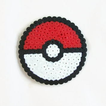 Pokeball Magnet , pokemon fridge magnet , hama / perler bead video game pixel art , bead sprite