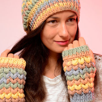 Crochet multicolor set of beanie hat and fingerless mittens, merino wool blend hat and mittens, winter wool hat hat and mittens, Gift idea.