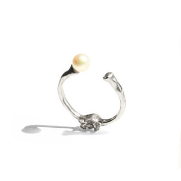 Bone Pearl Knuckle Ring