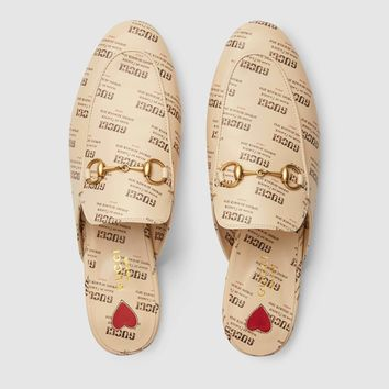 GUCCI Princetown Gucci invite print leather slipper