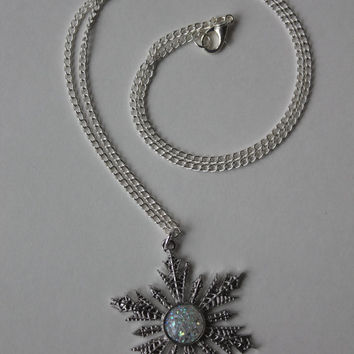 Anna Snowflake Necklace Once Upon A Time