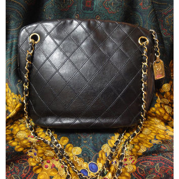 80s Vintage CHANEL black goatskin classic bicolore shoulder bag with double gold tone chain straps and a square CC mark hanging charm.