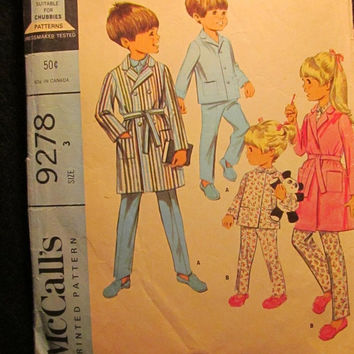 Sale 1960's McCall's Sewing Pattern, 9278! Size 3 Toddlers/Boys/Girls/Kids/Child/House Robes/Bath Robes/Two Piece Pajamas/Collared Tops/Long