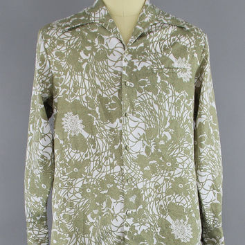 Vintage 1970s Disco Shirt / 70s Men's Aloha Shirt / 1960s LIBERTY HOUSE Iolani Hawaiian Shirt / Green Hawaiian Print