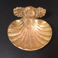 Brass Shell Soap Dish/Vintage Seashell Footed Soap Dish