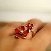 Red daisy adjustable ring , Sterling silver daisy ring , Gold plated brass ring , Spring ring , Easter ring , Passion red ring , open ring