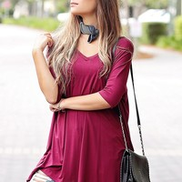 Burgundy DLMN Short Sleeve V-Neck Pocket Tunic