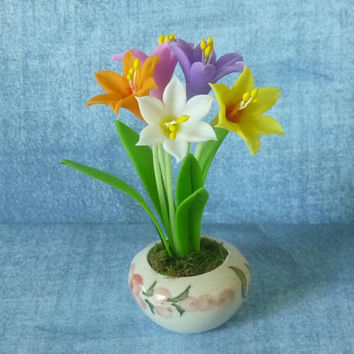 Lily pot artificial clay flower 3 3/4 inch/Dollhouse miniture /Flower pot/ Miniature clay flower pots/ Miniature flower /Dollhouse plants