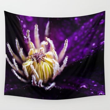 The jellyfish Wall Tapestry by HappyMelvin