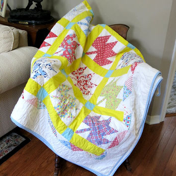 Patchwork Quilt Maple Leaf Pattern Hand Quilted Machine Pieced Vintage 1940s-50s Bright Yellow Robins Egg Blue