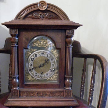 Victorian Westminster chiming bracket clock made in 1870