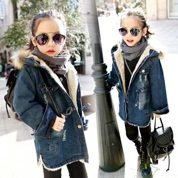 Trendy Hooded warm thick girls denim jacket 2018 winter autumn jacket Full Sleeve Kids Outwear & Coats Thicken Velvet Girls Outfits AT_94_13