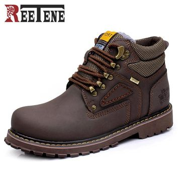 Autumn Winter Warm Men Snow Boots High Quality Hiking Boots Super Non-slip British Style Tooling Boots Lace-Up Zapatos Hombre