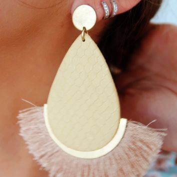 Back To Yesterday Earrings: Natural