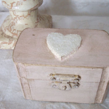 Beautiful Shabby Chic Pale Peach and Ivory Wedding ring Bearers Pillow Box Trinket Box Party Favor