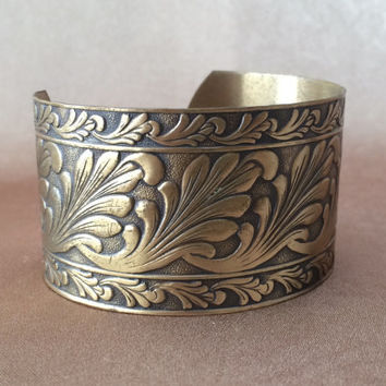 Copper Cuff Bracelet, Wide Cuff Bracelet, Leaf Scroll Design, Vintage Bracelet, Boho Jewelry, Oxidized Copper, Brown Color, Large Wrist Size