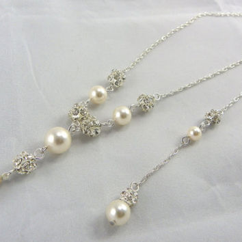 Backdrop pearls bridal Necklace and earrings, Jewelry Set Swarovski Crystal Ivory Pearl Necklace And Earrings set, Weddings, bridesmaid gift