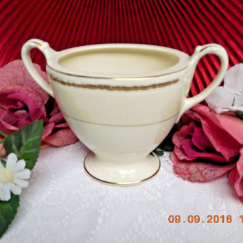 Homer Laughlin China Dinnerware Viceroy, Eggshell Georgian #G3571 Sugar bowl