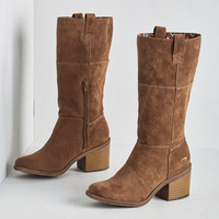 Expert Projectionist Boot in Chestnut by Rocket Dog from ModCloth