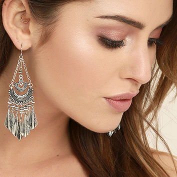 Humming Happily Silver Earrings