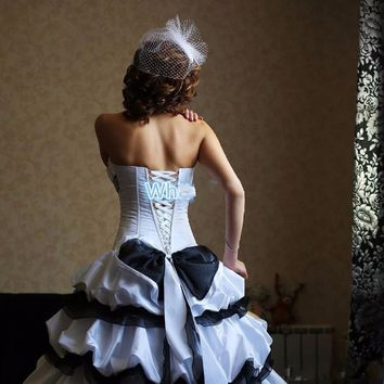 Victorian Gothic Black and White Wedding Dresses 2017 Strapless High Low Corset Beaded 50s Vintage B