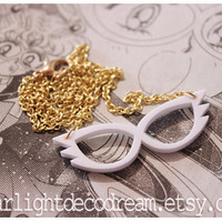 SAILOR MOON White Mask Inspired Acrylic Necklace for Mahou Kei & Magical Girl Fashion