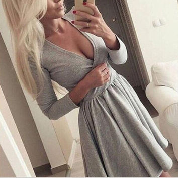 Fashion V-Neck Long-Sleeved Solid Color Dress
