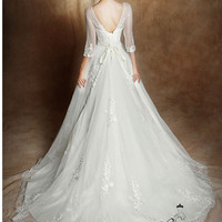 Vintage long sleeves V-back bateau neckline long A-line organza satin wedding dress chapel train