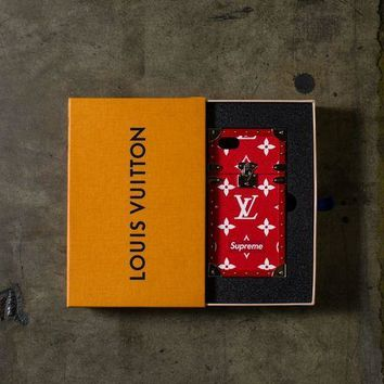 ONETOW Louis Vuitton x Supreme IPhone Trunk Case