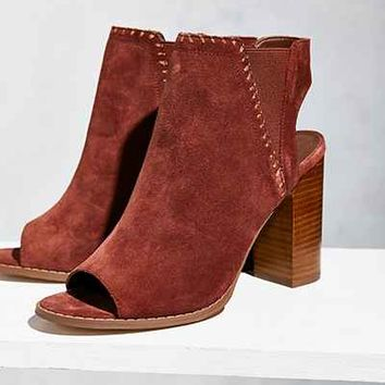 Suede Chelsea Heel - Urban Outfitters